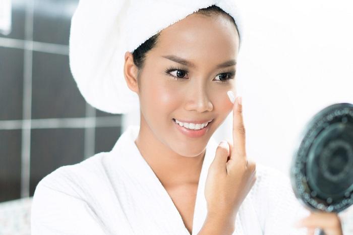 از آرایش استفاده کنید تا استراتژیک آن را پوشش دهید.