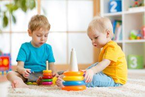 تعامل کودکان با دیگران