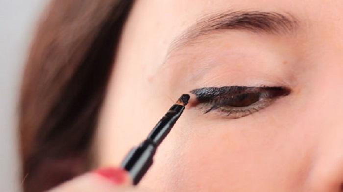 خط چشم ژله ای