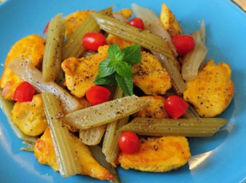خوراک مرغ و کرفس رژیمی