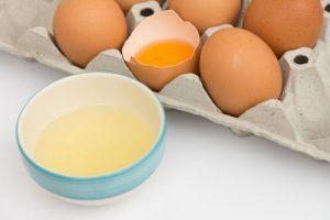 سفیده ی تخم مرغ برای کندن آدامس