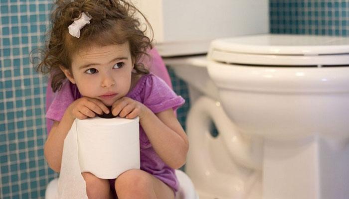 علت یبوست کودکان و راه های درمان آن