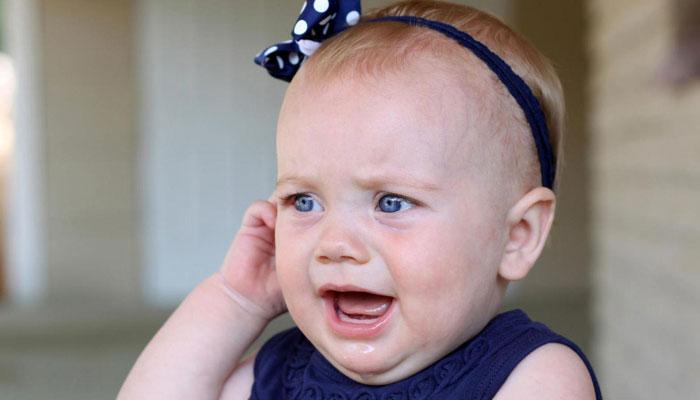 عواملی که باعث ایجاد عفونت گوش در نوزادان می شود
