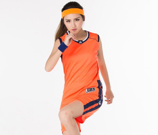 لباس ورزشی نارنجی