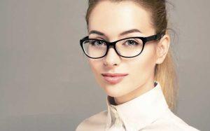نمونه آرایش ملایم برای خانم های عینکی