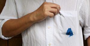 پاک کردن لکه ی خودکار از روی لباس ها
