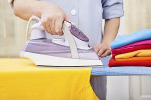 پاک کردن لکه ی روغن از روی لباس