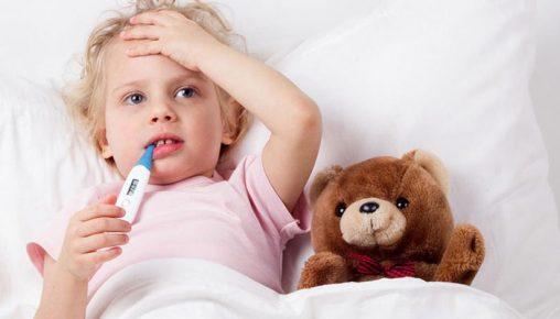 پایین آوردن تب کودکان با روش های خانگی بدون مصرف دارو