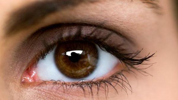 چشم-های-قهوه-ای