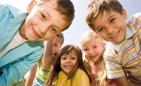 چگونه به دوست یابی فرزندمان در مدرسه کمک کنیم؟