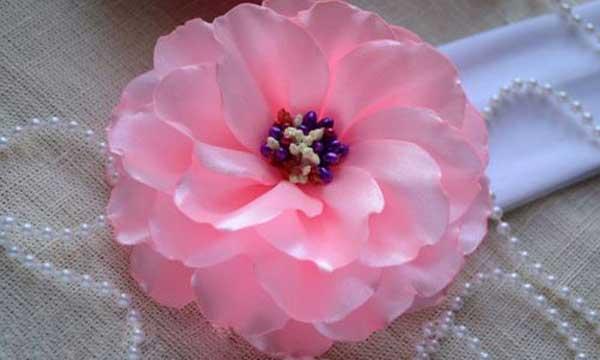 چگونگی ساخت گل زیبا با روبان پارچه ای برای تزیینات