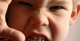 چگونه با کودکان پرخاشگر رفتار کنیم؟