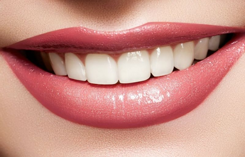 home-remedies-for-whitening-teeth
